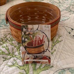 Longaberger 2000 Frosty, Jr. Basket